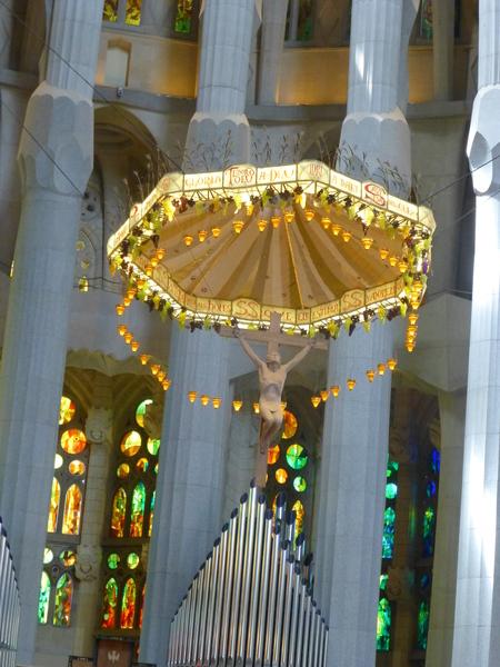 スペイン バルセロナ  アントニ・ガウディ作のサグラダ・ファミリア大聖堂を見学_b0011584_2145996.jpg