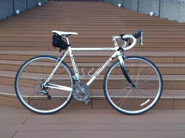 自転車の 自転車 軽い 早い : それならカーボンバイクを買う ...