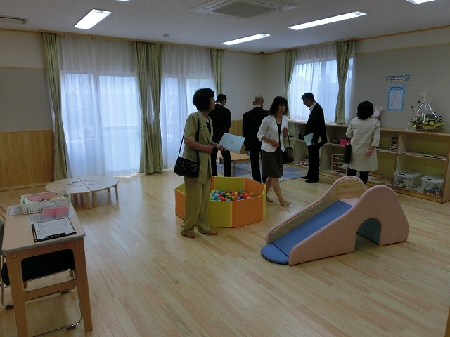 子育て支援と遊びの拠点 東部児童館がオープン_f0141310_7161999.jpg