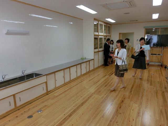 子育て支援と遊びの拠点 東部児童館がオープン_f0141310_716789.jpg
