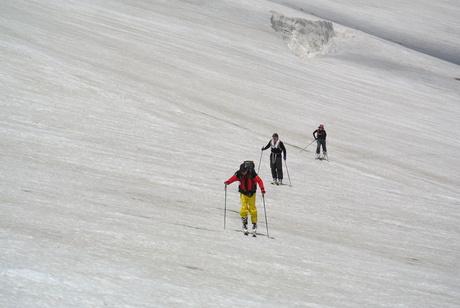 2013年5月31日残雪豊富な鳥海山祓川口コースで春スキーを楽しむ_c0242406_14422812.jpg