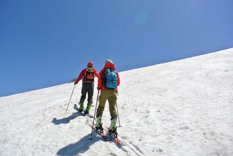 2013年5月31日残雪豊富な鳥海山祓川口コースで春スキーを楽しむ_c0242406_14434275.jpg