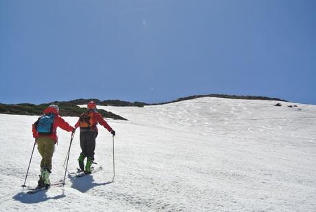 2013年5月31日残雪豊富な鳥海山祓川口コースで春スキーを楽しむ_c0242406_1445575.jpg