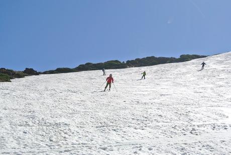 2013年5月31日残雪豊富な鳥海山祓川口コースで春スキーを楽しむ_c0242406_16283287.jpg