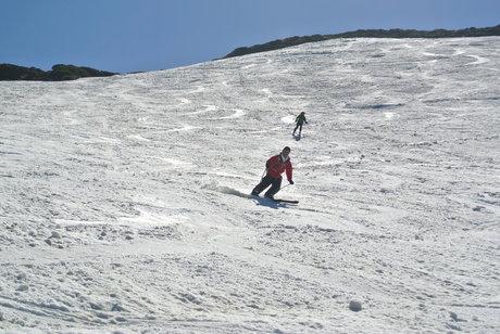 2013年5月31日残雪豊富な鳥海山祓川口コースで春スキーを楽しむ_c0242406_16295524.jpg