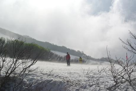 2013年5月31日残雪豊富な鳥海山祓川口コースで春スキーを楽しむ_c0242406_16402317.jpg