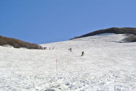 2013年5月31日残雪豊富な鳥海山祓川口コースで春スキーを楽しむ_c0242406_16411978.jpg