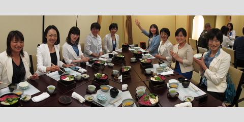きょうの横浜は「ロッキーブルー」_d0046025_10431715.jpg