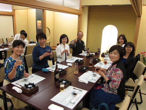 きょうの横浜は「ロッキーブルー」_d0046025_11151349.jpg