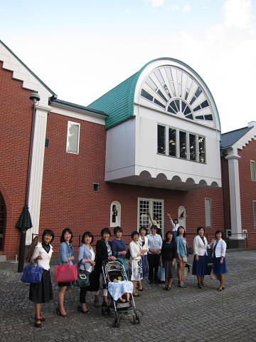 きょうの横浜は「ロッキーブルー」_d0046025_1124471.jpg