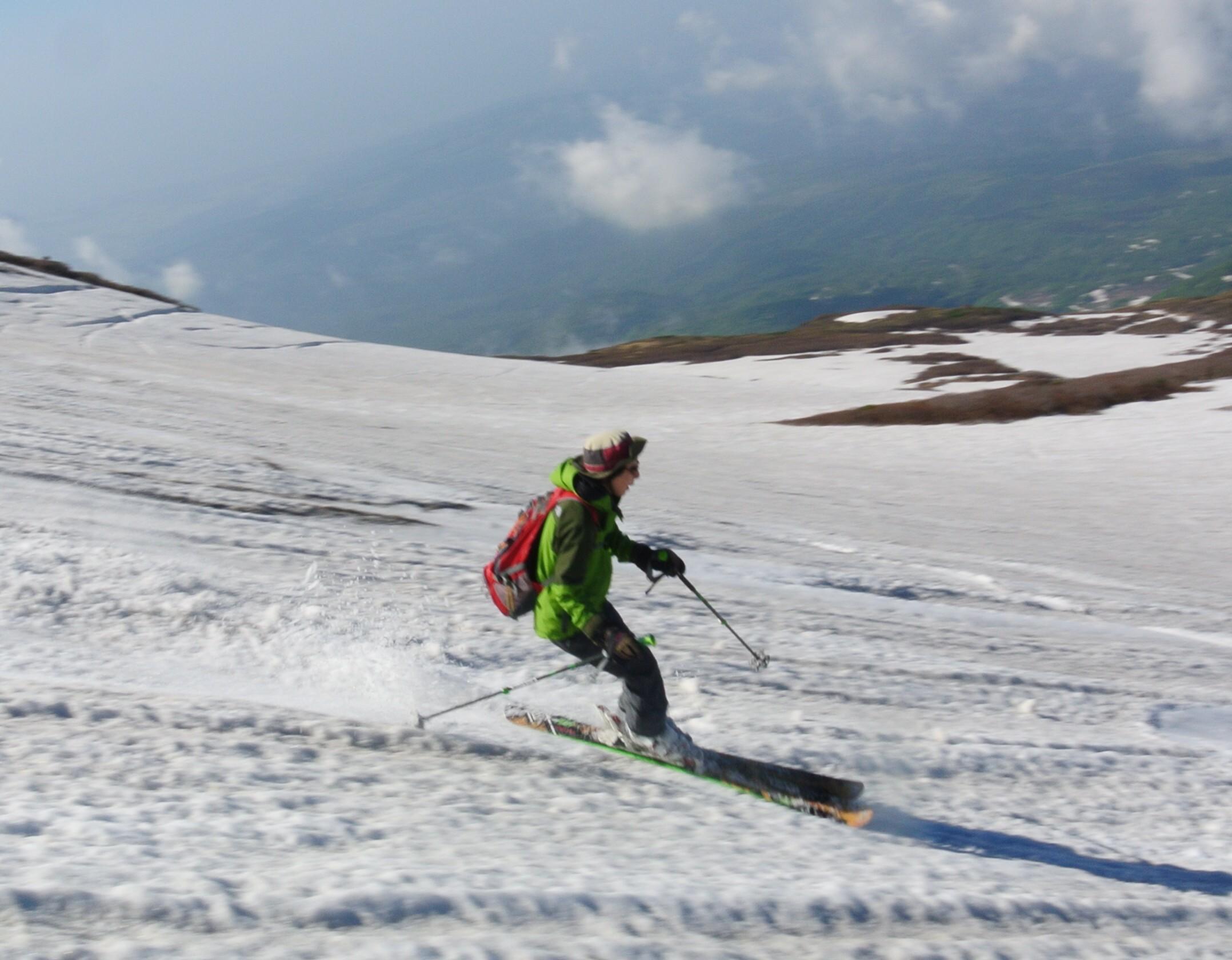 2013年5月31日残雪豊富な鳥海山祓川口コースで春スキーを楽しむ_c0242406_14381287.jpg