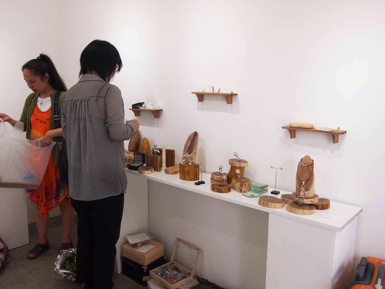 彫金3人展「夏のはじまり」@~搬出・初日~_e0272050_1341322.jpg