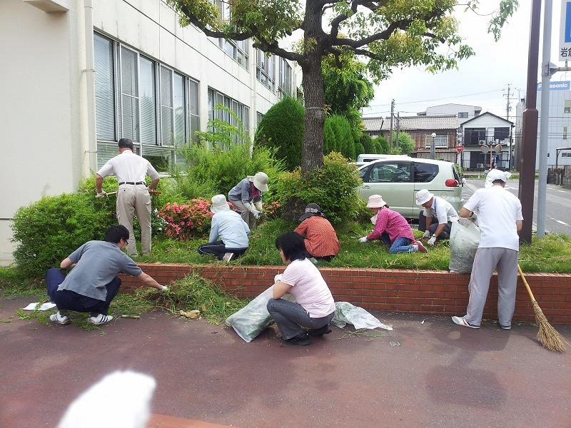 25年度春の草取り活動_d0262773_9503178.jpg