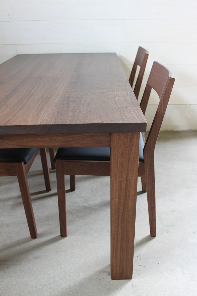 NS DINING TABLE SET_c0146581_1337793.jpg