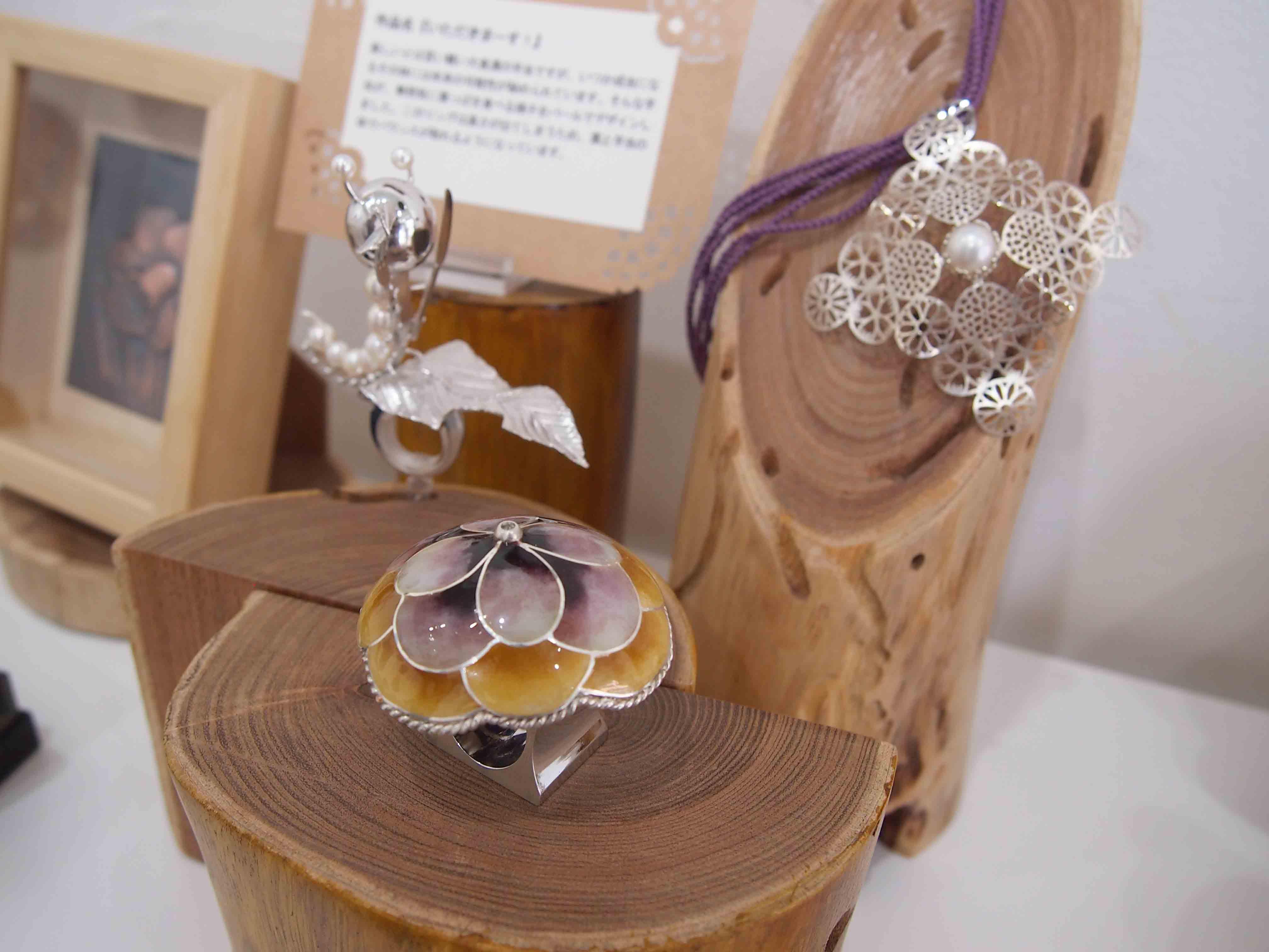 彫金3人展「夏のはじまり」@2日目-作家紹介/長澤知美-  _e0272050_162417.jpg