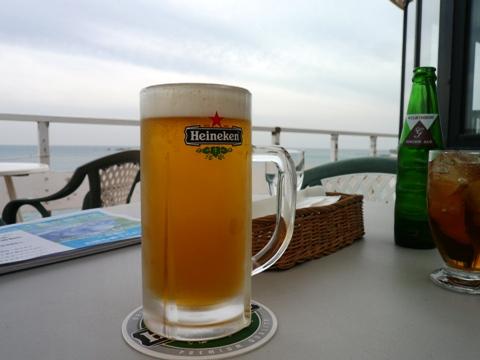 海辺の週末ランチ_c0167264_21391271.jpg