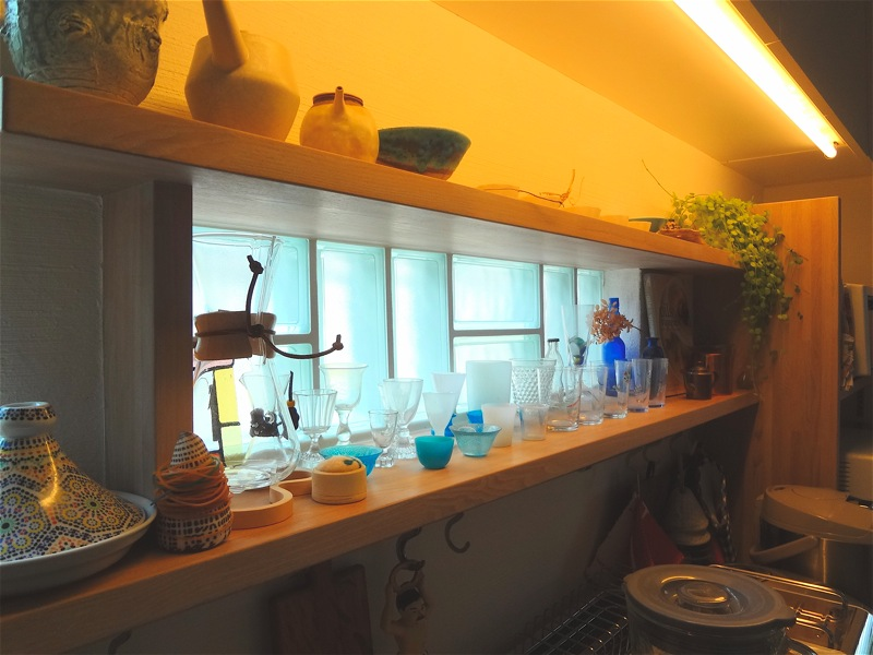 キッチンの飾り棚_f0230666_102551100.jpg
