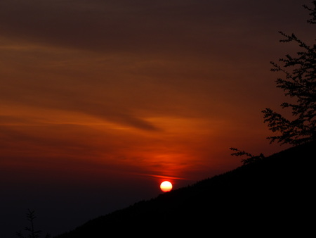 ご来光の見られる季節_e0120896_8165466.jpg