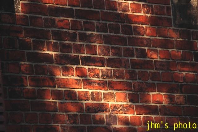 光と影の街(2)_a0158797_2354988.jpg