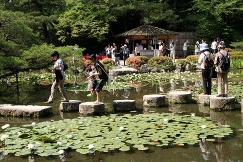 平安神宮 庭園開放_e0048413_20114660.jpg