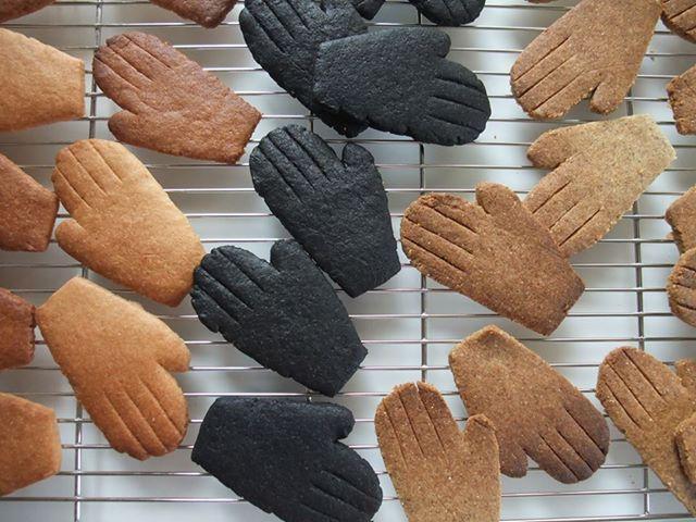 手から手へ はじめのはじまりクッキーできました!_c0192615_10135989.jpg