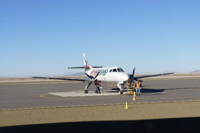ボリビアの旅(36) ウユニ空港からラパス・エアアルト空港へ_c0011649_6395268.jpg