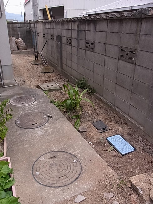 田舎の近藤家にもついに水道が!_b0186200_2133541.jpg