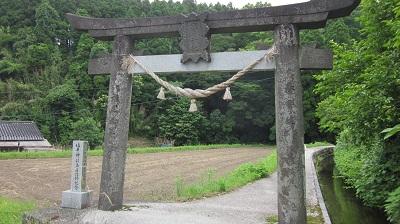 南阿蘇村   ~塩井社水源~_b0228113_1054577.jpg