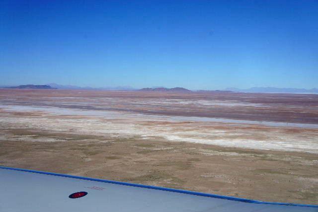 ボリビアの旅(36) ウユニ空港からラパス・エアアルト空港へ_c0011649_5173583.jpg