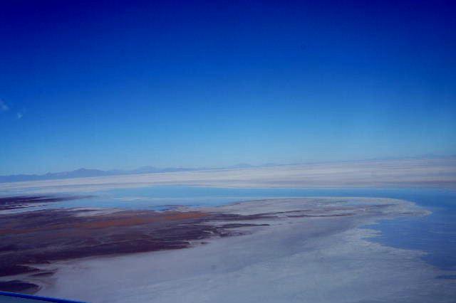 ボリビアの旅(36) ウユニ空港からラパス・エアアルト空港へ_c0011649_5175641.jpg