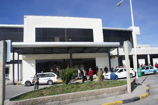 ボリビアの旅(36) ウユニ空港からラパス・エアアルト空港へ_c0011649_5261850.jpg