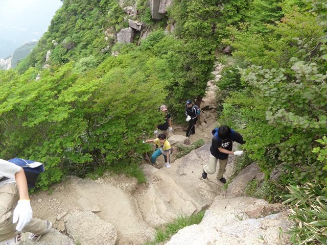 御在所岳を歩いた2013年の春_e0052012_10443836.jpg