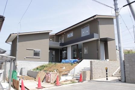 「丘に建つ回遊ウッドデッキの家」完成前のweb内覧-外観編-_f0170331_2022065.jpg