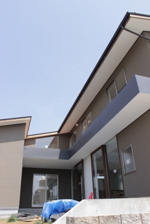「丘に建つ回遊ウッドデッキの家」完成前のweb内覧-外観編-_f0170331_20221835.jpg