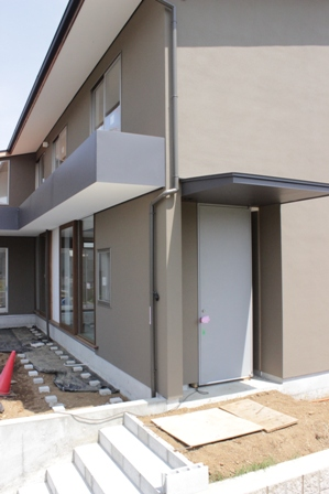 「丘に建つ回遊ウッドデッキの家」完成前のweb内覧-外観編-_f0170331_20225663.jpg
