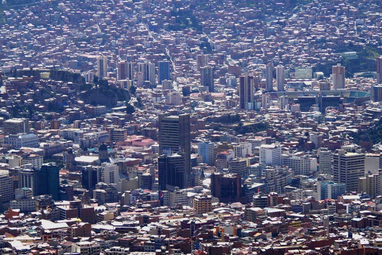 ボリビアの旅(37) 展望台から眺めたラパスの風景_c0011649_13371898.jpg