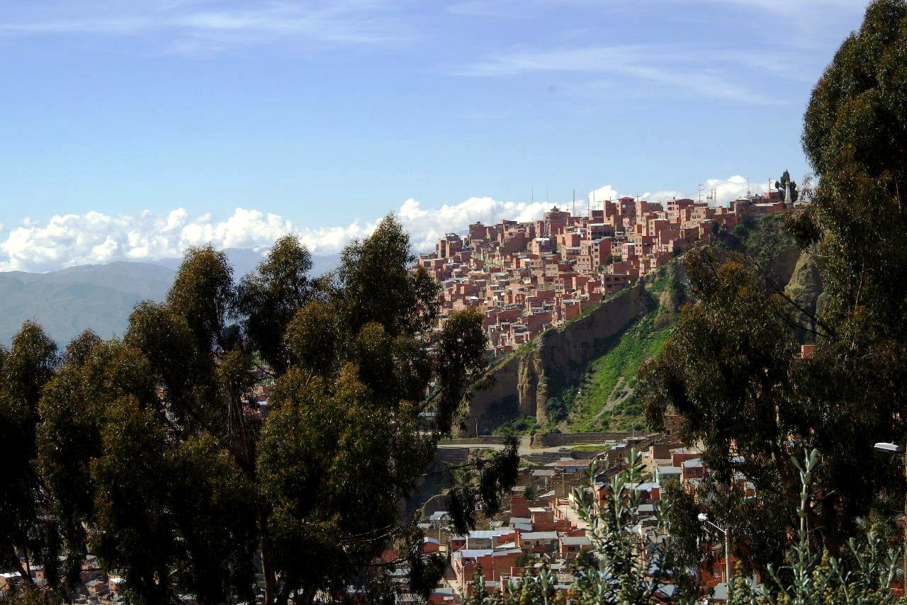 ボリビアの旅(37) 展望台から眺めたラパスの風景_c0011649_14211796.jpg