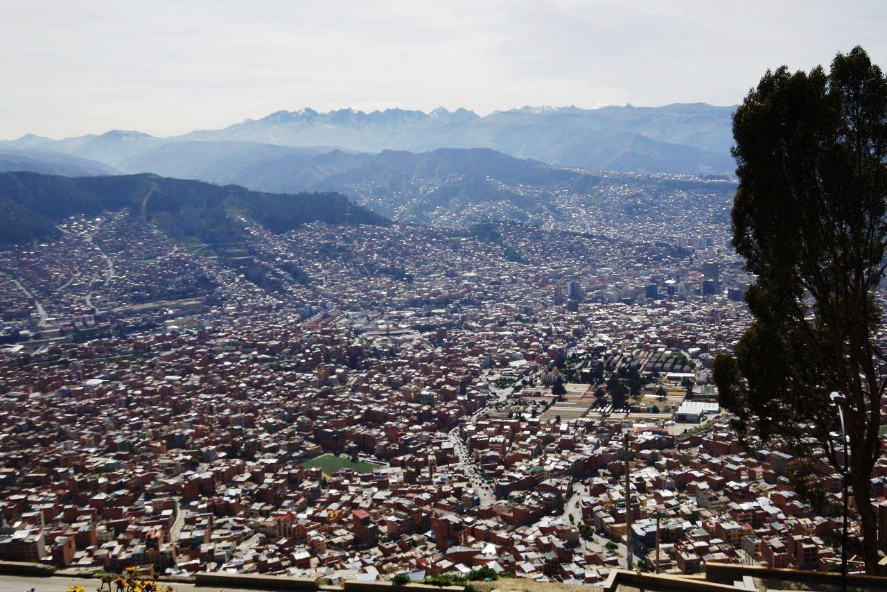ボリビアの旅(37) 展望台から眺めたラパスの風景_c0011649_73213100.jpg