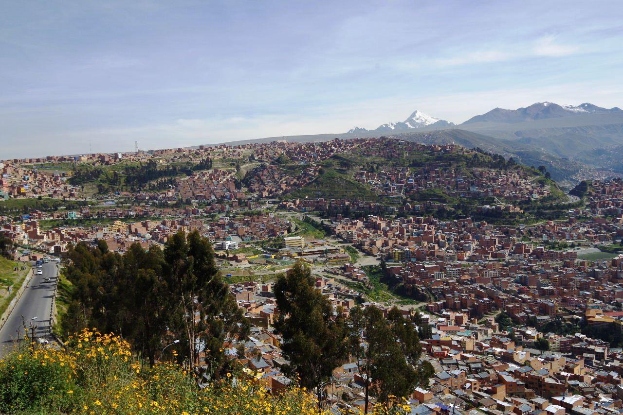 ボリビアの旅(37) 展望台から眺めたラパスの風景_c0011649_7381147.jpg