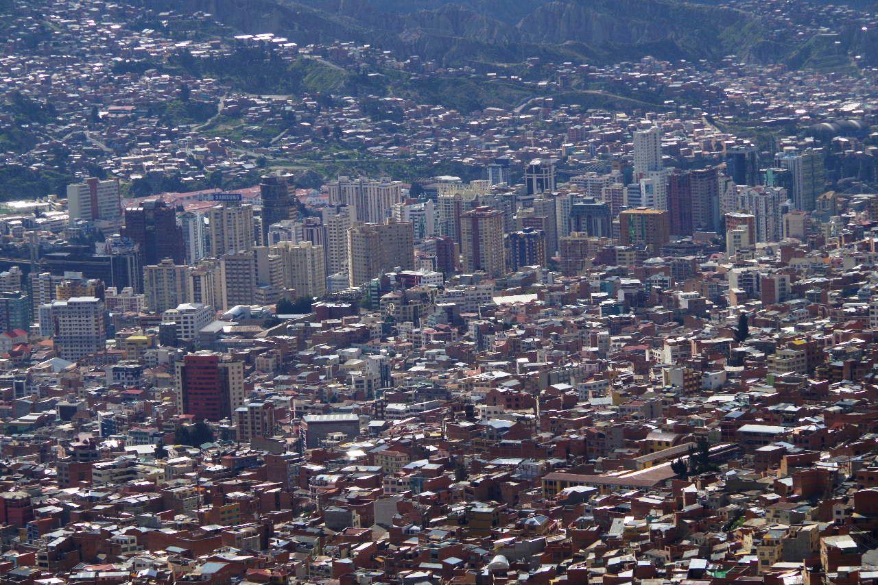 ボリビアの旅(37) 展望台から眺めたラパスの風景_c0011649_7425268.jpg