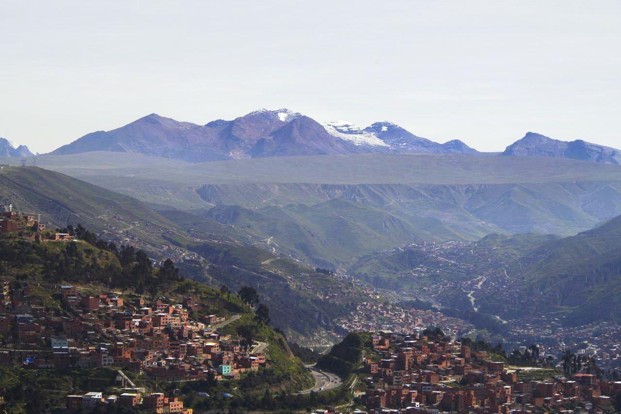 ボリビアの旅(37) 展望台から眺めたラパスの風景_c0011649_7451739.jpg