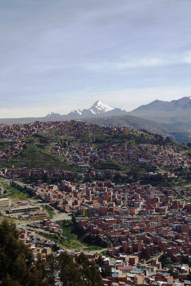 ボリビアの旅(37) 展望台から眺めたラパスの風景_c0011649_74688.jpg