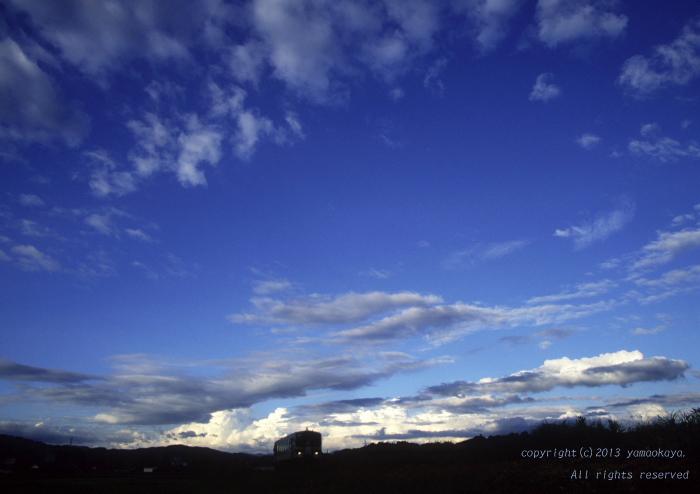 夕刻の空は_d0309612_23152950.jpg
