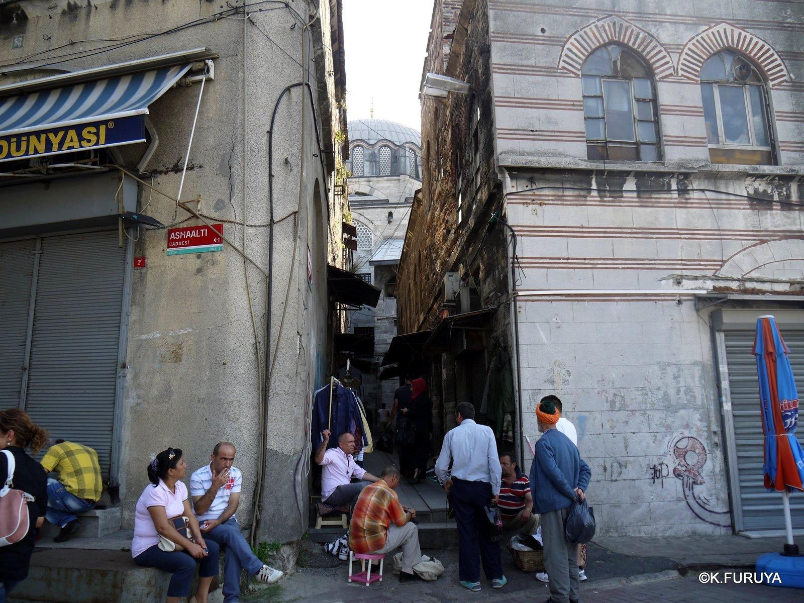 トルコ旅行記 40 イスタンブール旧市街の小さなモスク_a0092659_16494269.jpg