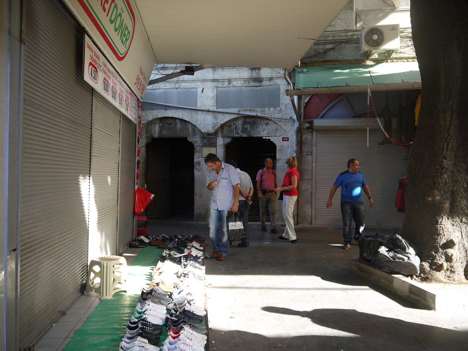 トルコ旅行記 40 イスタンブール旧市街の小さなモスク_a0092659_1795849.jpg