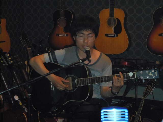 安定感のある演奏と歌・・・「やぎたこ」ライブ_b0169403_057776.jpg
