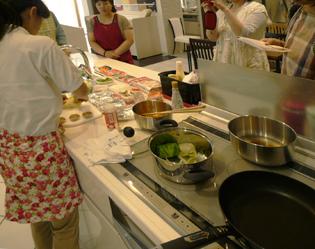 『簡単!節約料理教室』やってきました_e0180332_1656231.jpg