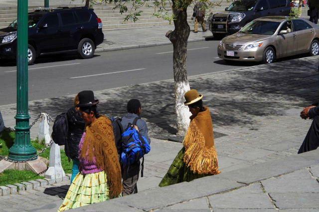 ボリビアの旅(39) 【ラパス】 ラパスの中心 ムリーリョ広場_c0011649_67191.jpg