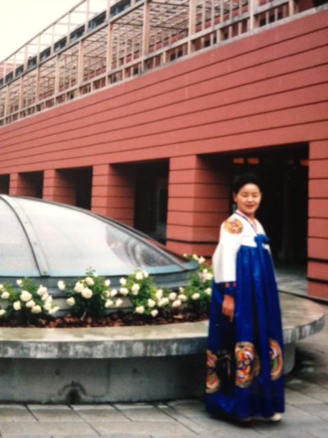 「衣服が翼」朝鮮新報2003年5月より_f0253572_2126192.jpg