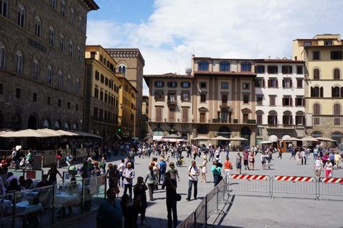 フィレンツェは、いよいよ夏です!_f0106597_2422917.jpg